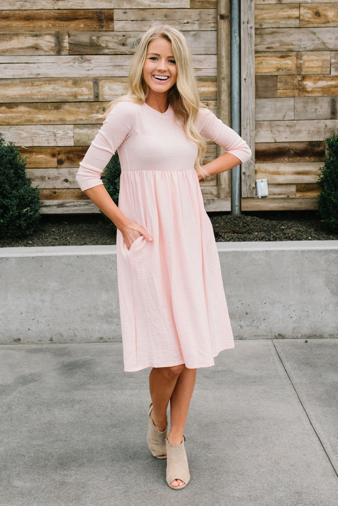 KATIE DRESS IN PEACH