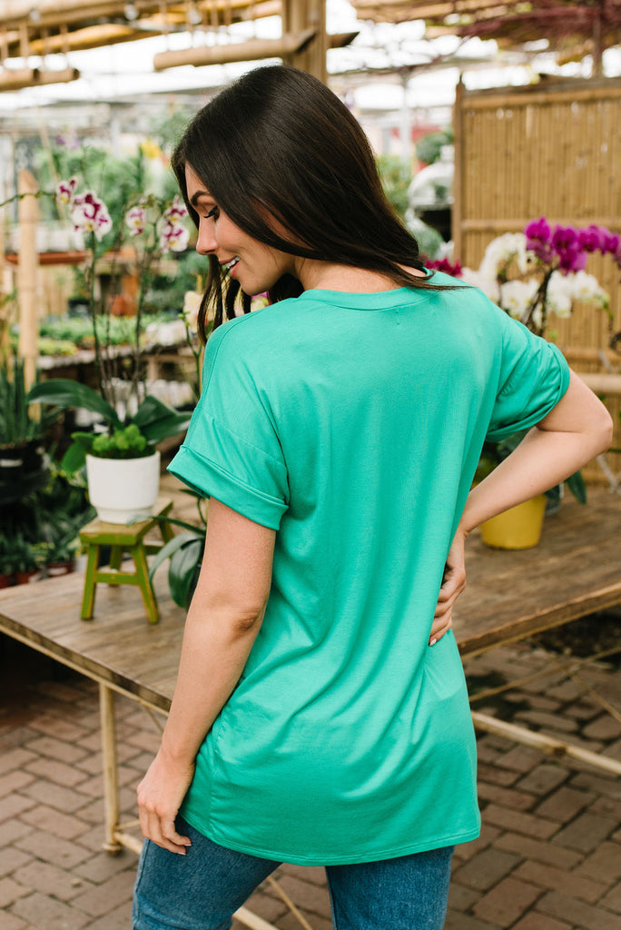 ASHLEY V-NECK TEE IN KELLY GREEN