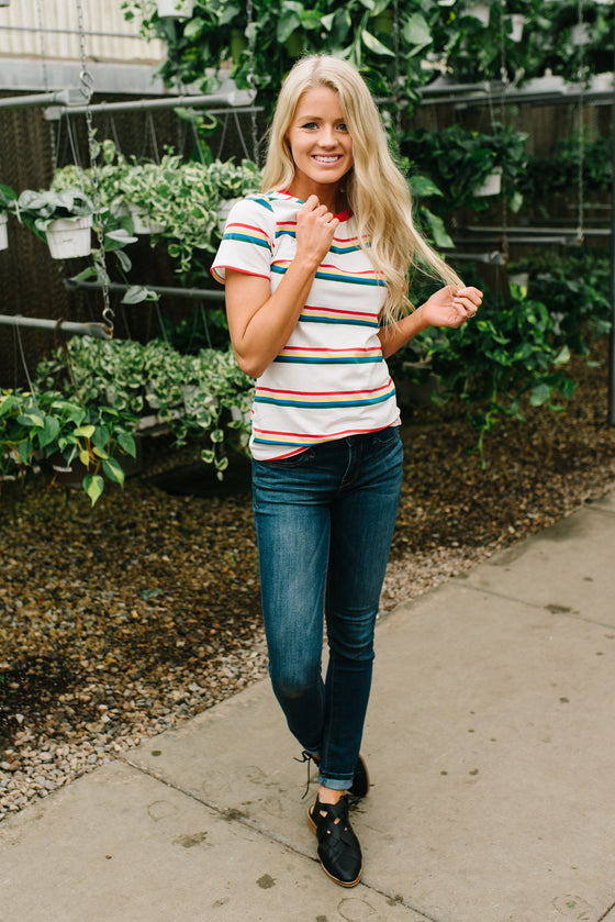 CALEE  CREWNECK TEE IN RAINBOW STRIPE