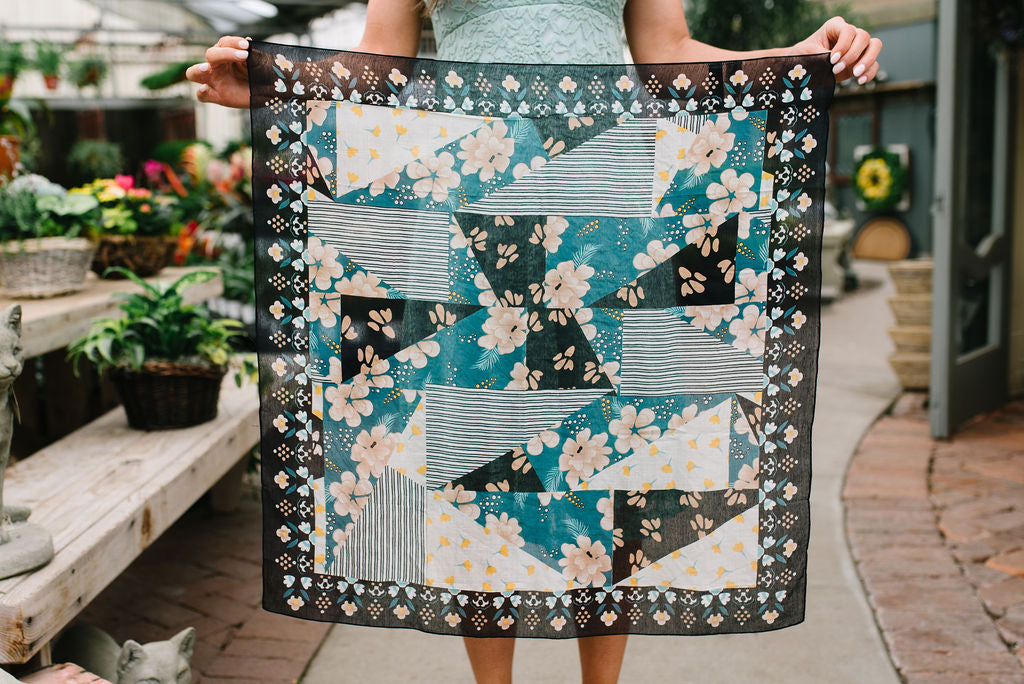 FLORAL PATCHWORK BANDANA IN BLACK