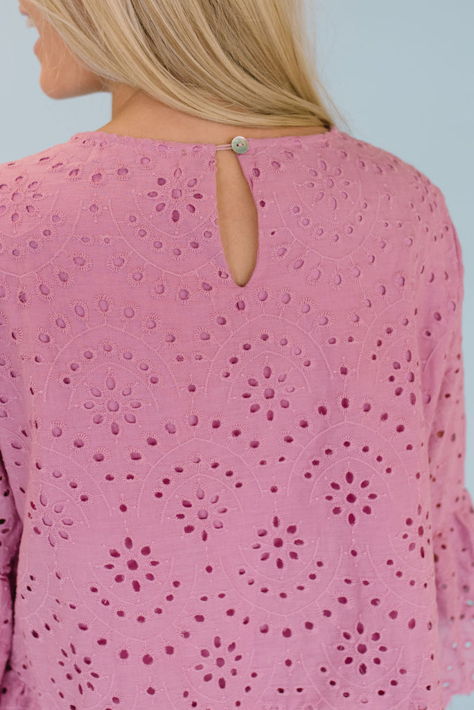 LILA EYELET TOP IN DARK PINK