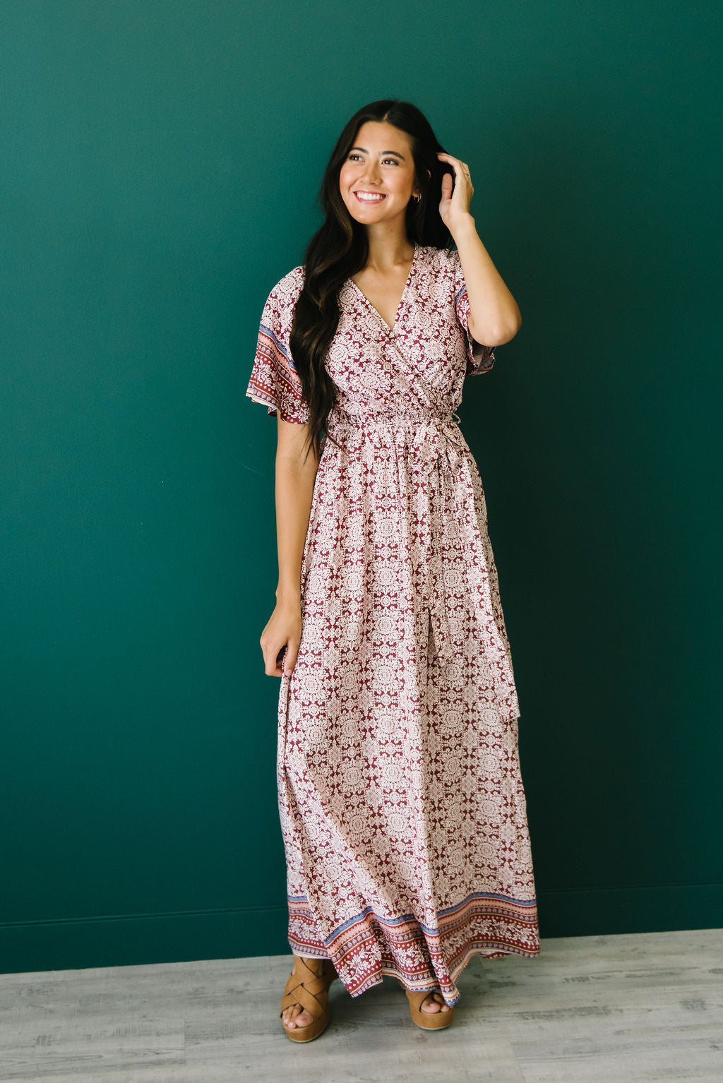 ALAYNA FLORAL MAXI DRESS IN MAROON AND IVORY