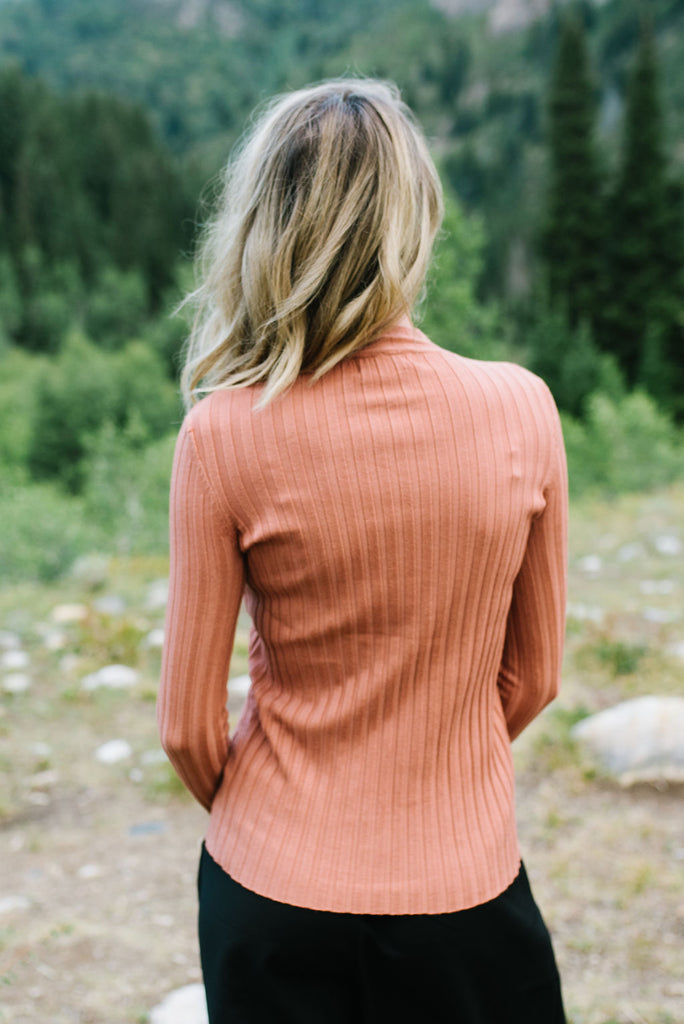 JADA SIDE BUTTON SWEATER IN CLAY