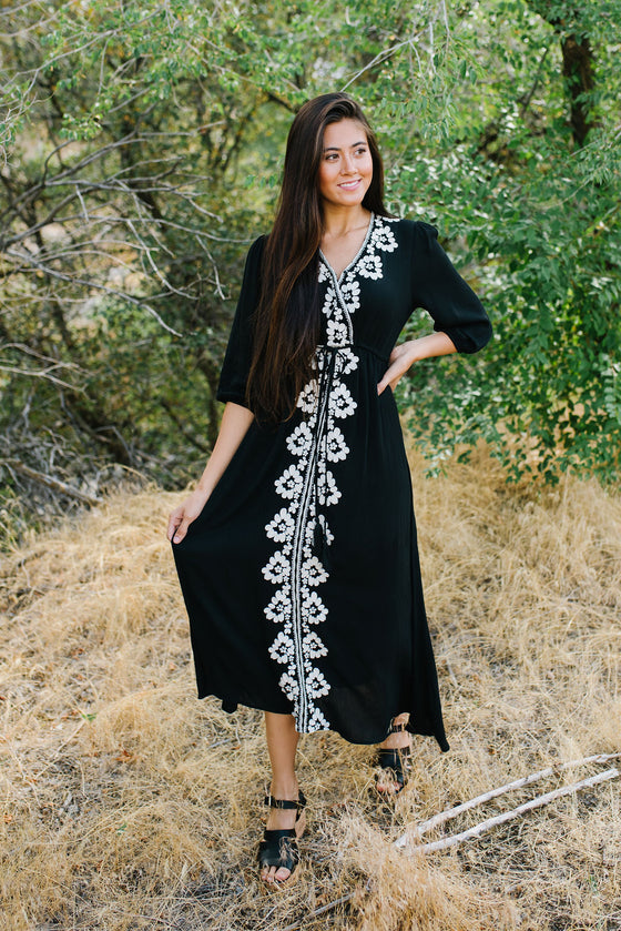 MIA BLACK MAXI WITH CREAM EMBROIDERED FLOWERS