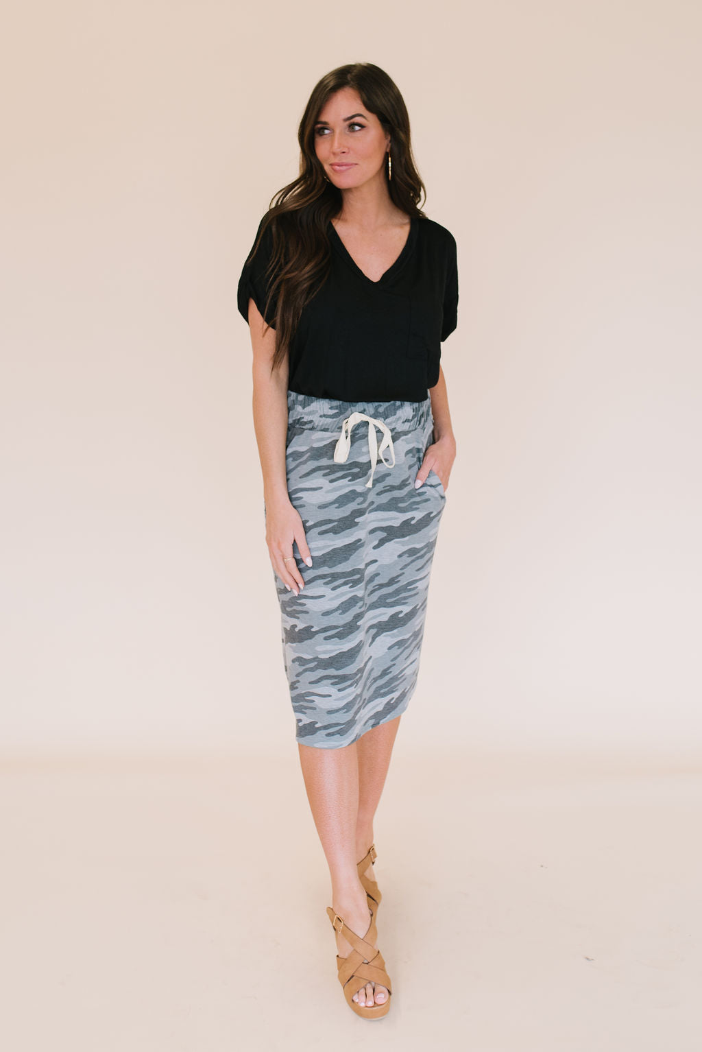 LIV DRAWSTRING SKIRT IN GREY CAMO