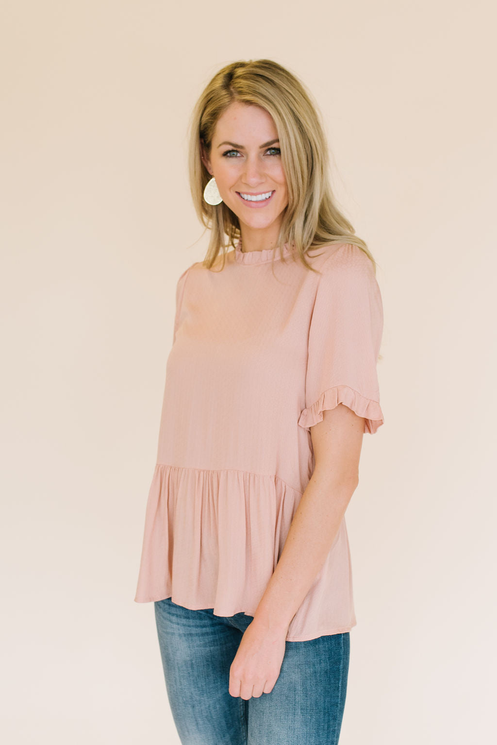 GRACE PEPLUM TOP IN DUSTY PEACH