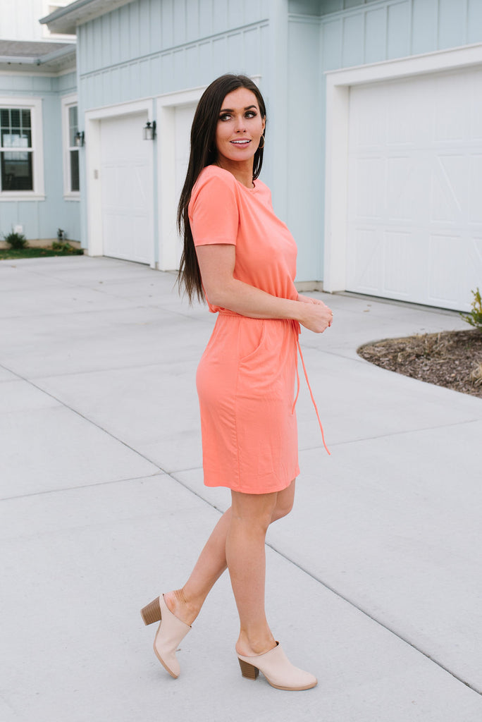 CHELSEA CASUAL DRESS IN CORAL