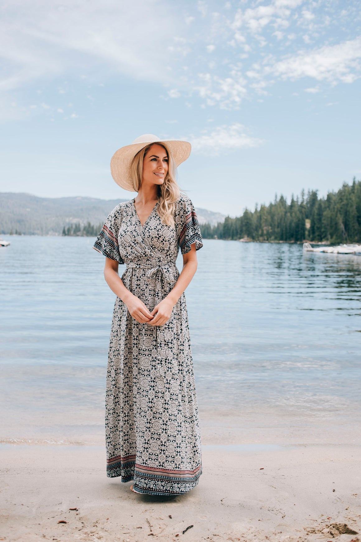 ALAYNA FLORAL MAXI DRESS IN NAVY AND IVORY