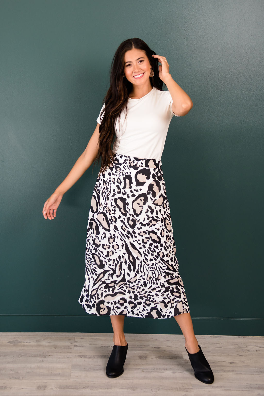 TONYA LEOPARD PRINT SKIRT IN BLACK