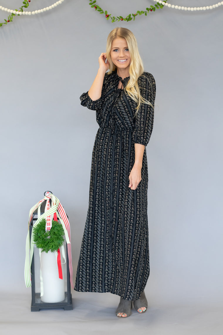 MESA FLORAL PRINT MAXI DRESS IN BLACK