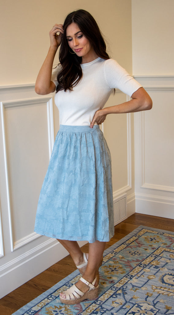 AMELIA ELASTIC WAIST SKIRT IN LIGHT BLUE