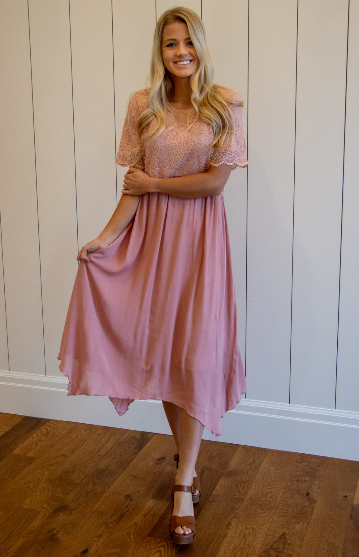 TRACI MIDI DRESS WITH HANDKERCHIEF HEM IN BLUSH