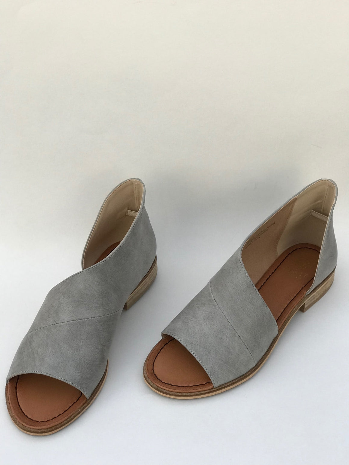Lotus Shoe In Grey - Shoes