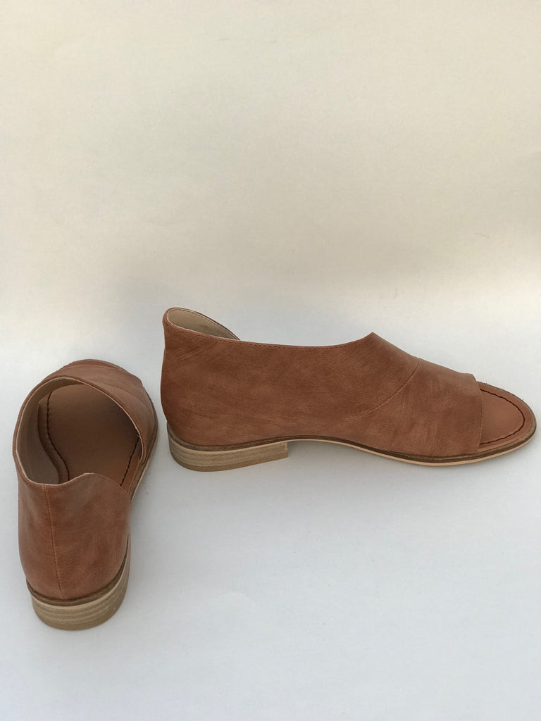 Lotus Shoe In Brown - Shoes