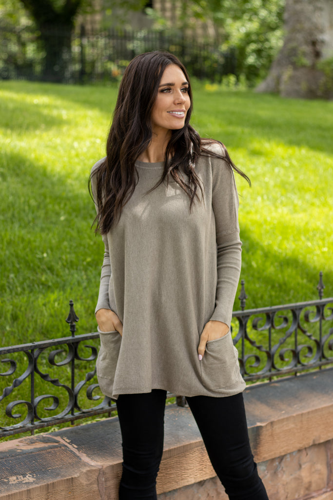 MAREN OVER-SIZED SWEATER IN MOCHA