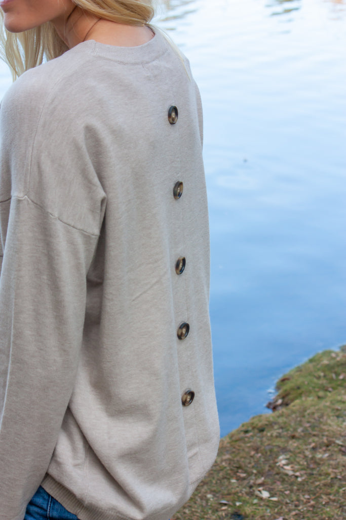 BRETTE-WARM GREY SWEATER WITH BUTTONS DOWN BACK