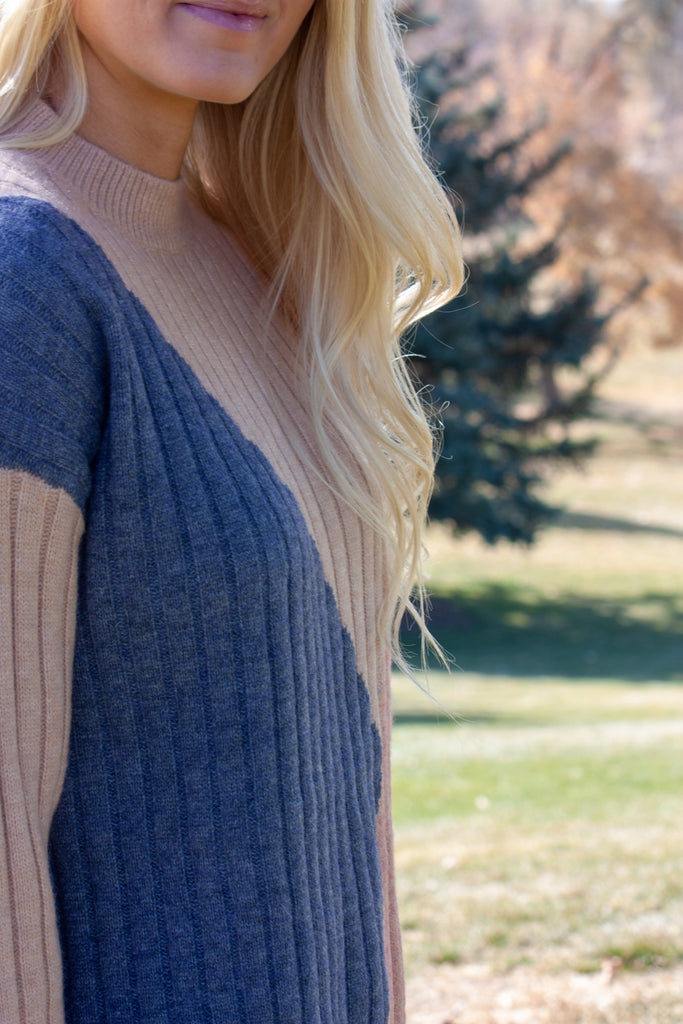 SKY GEOMETRIC SWEATER