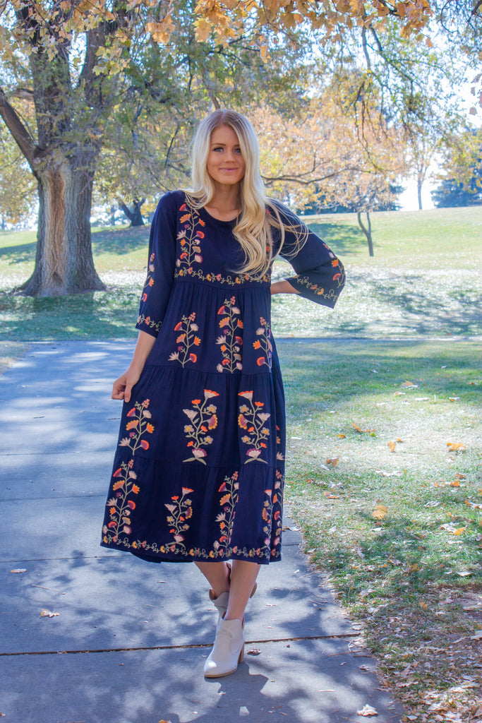 CADENCE-EMBROIDERED DRESS IN NAVY