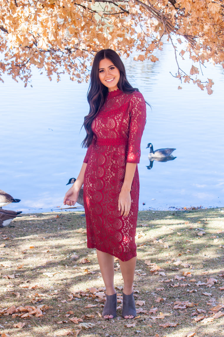 REESE LACE MIDI DRESS IN BURGUNDY