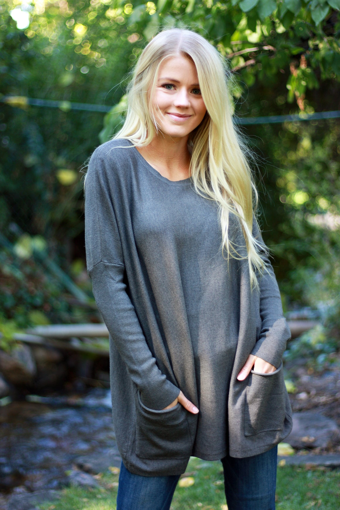 MAREN OVER-SIZED SWEATER IN CHARCOAL