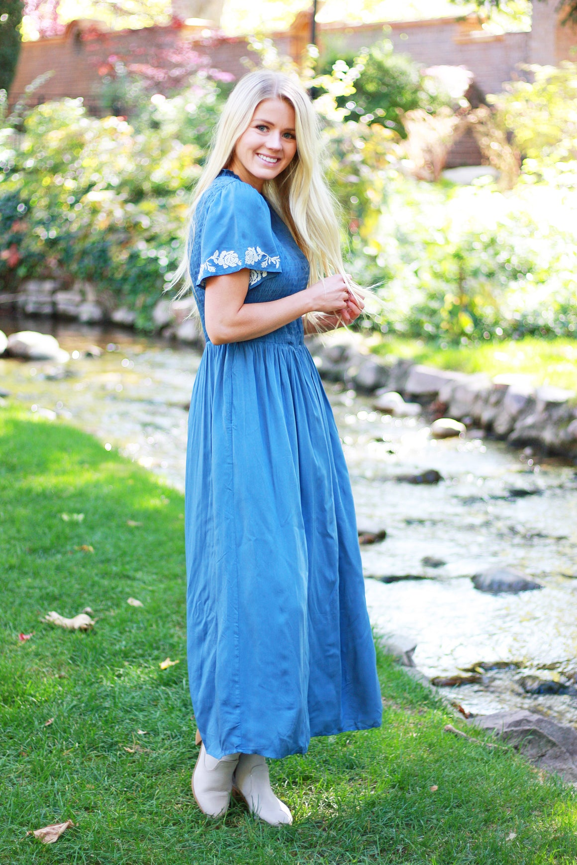 SUSETTE MAXI DRESS WITH SMOCKING IN STEEL BLUE