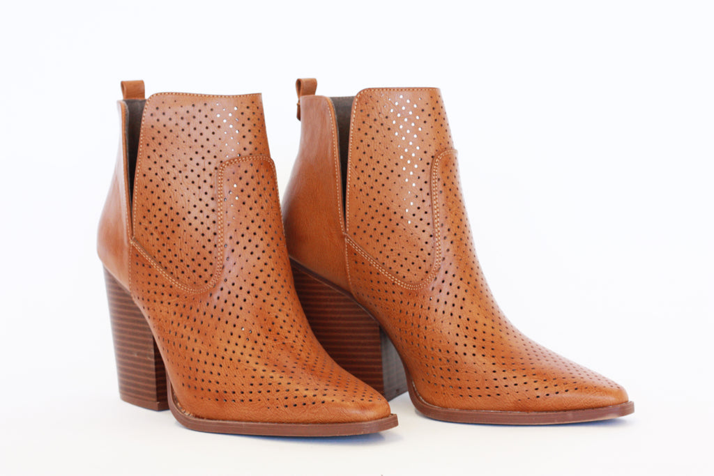 SLAY BOOTIE IN BURNISHED CAMEL