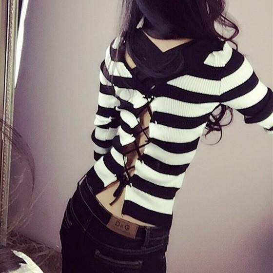 Black Striped Round Neck Long Sleeve Fashion Pullover Sweater