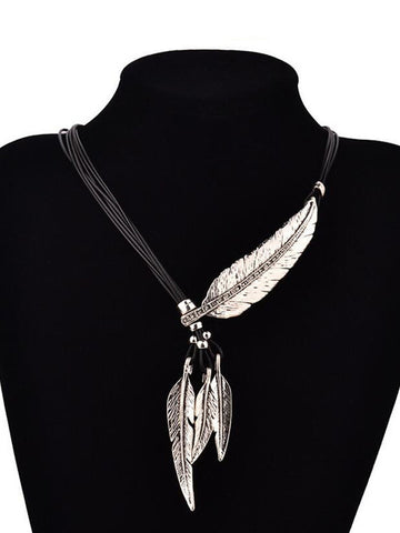 Metal Feather Pendant Necklace - Bychicstyle.com