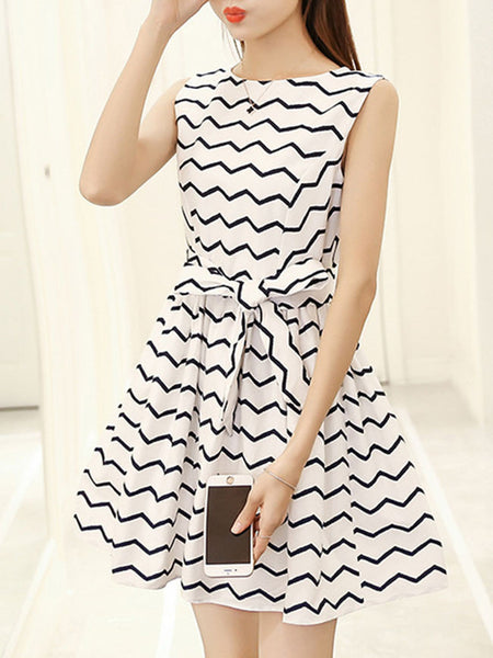 Casual Zigzag Striped Round Neck Bowknot Skater Dress