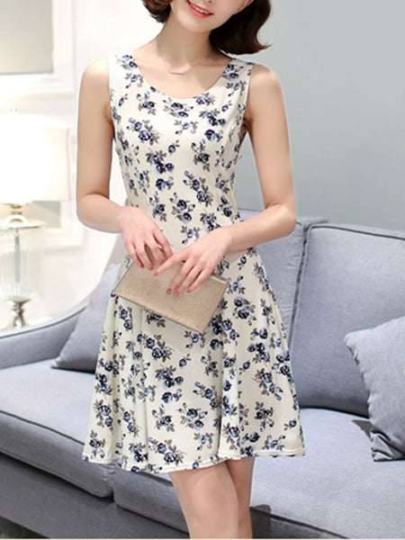 Casual Cute Round Neck Tiny Flower Printed Skater Dress - Bychicstyle.com