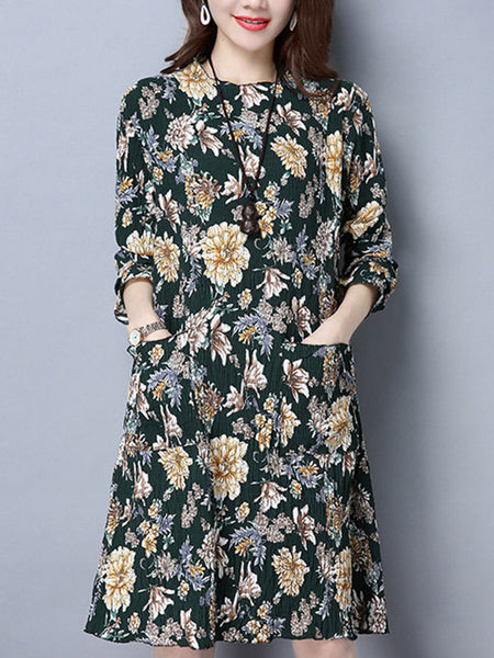 Floral Printed Crew Neck Patch Pocket Pleated Shift Dress - Bychicstyle.com