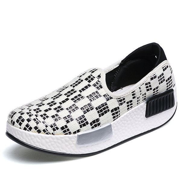 Casual Canvas Pure Color Slip On Rocker Sole Platform Shake Casual Shoes