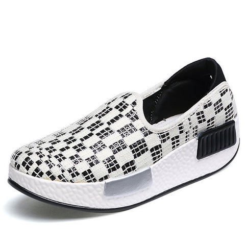 Streetstyle  Casual Canvas Pure Color Slip On Rocker Sole Platform Shake Casual Shoes
