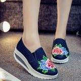 ByChicStyle Casual Canvas Embroidered Flower Platform Shake Casual Shoes