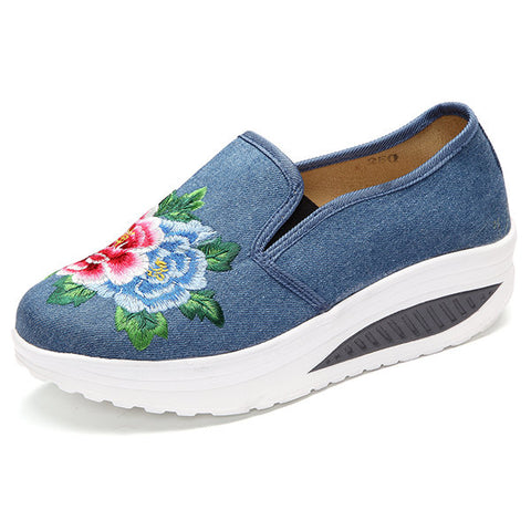 Casual Canvas Embroidered Flower Platform Shake Casual Shoes