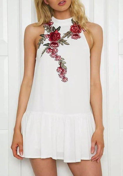 Casual White Floral Embroidery Pleated Round Neck Sleeveless Mini Dress