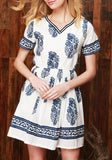 ByChicStyle Casual White Floral Print V-neck Short Sleeve Retro Casual Loose Mini Dress
