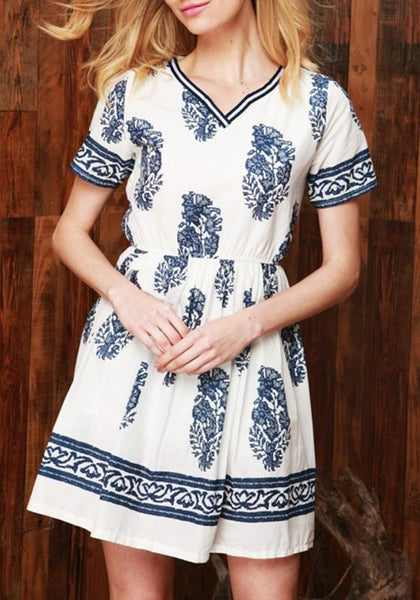 Casual White Floral Print V-neck Short Sleeve Retro Casual Loose Mini Dress