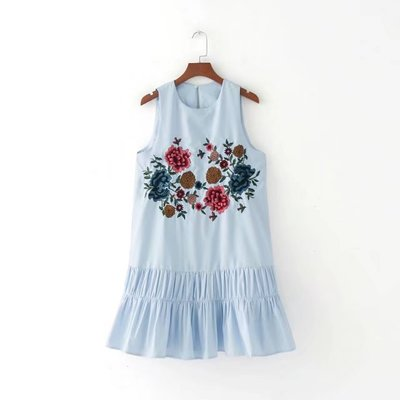 2017 New Women Sleeveless Sweet Floral Embroidery Pleated Casual Mini Dress