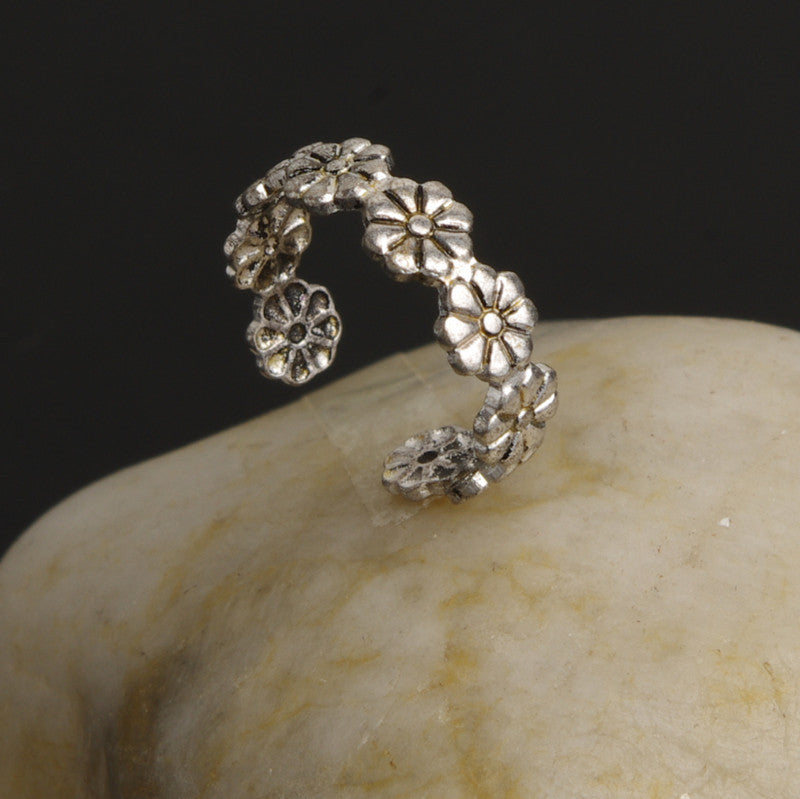 Adjustable Daisy Flower Beautiful Ring