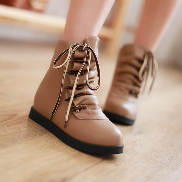 Pure Color Horn Decorate Wrinkle Short Boots