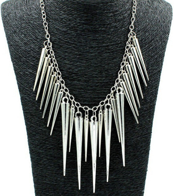 Europe Hot Fashion Punk Rivet Necklace