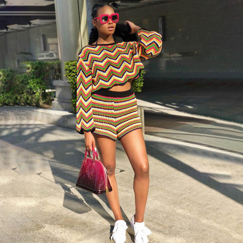 Loose Waves Stripes Long Sleeves Crop Top with High Waist Shorts Two Pieces Set