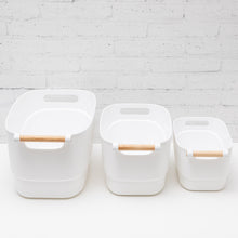 SIMPLY ORGANISED COLLECTION Wooden Handle Plastic Storage Tub