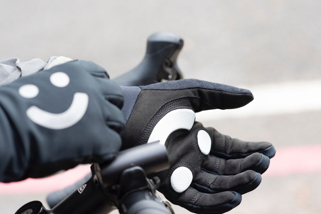 Loffi Smiley Face Glove