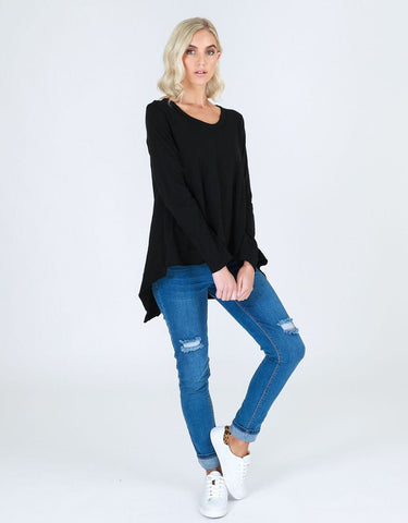 Willow Tee Black - Debbie Lee Fashions