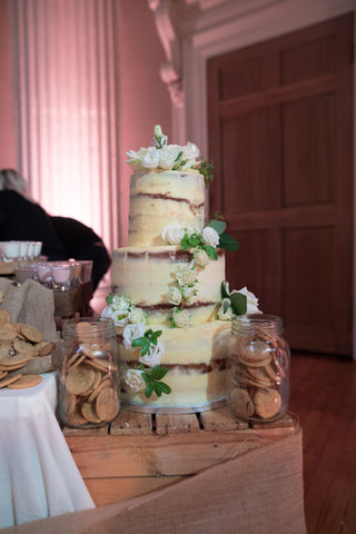 Blondies Kitchen | Milk and Cookie Bar | Events | Wedding Cake