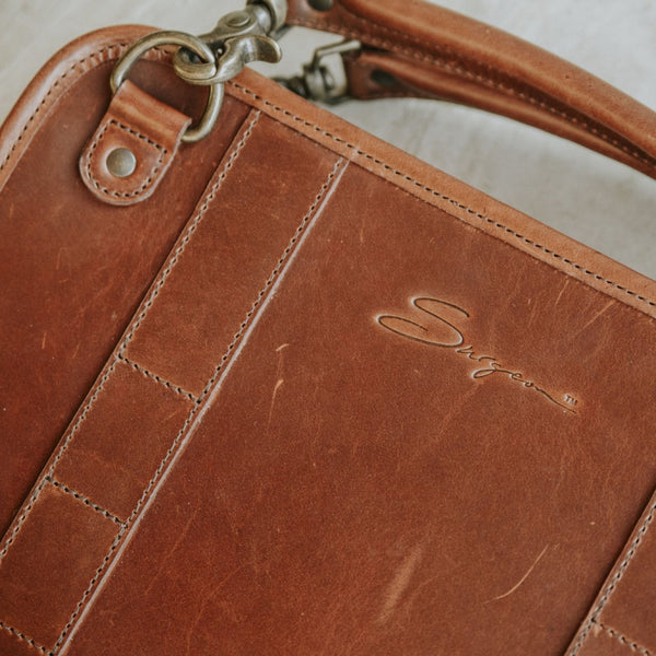 Leather Tablet Organizer with Handles in Mahogany close up detail