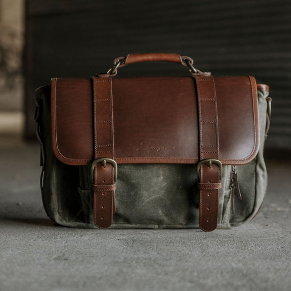 Everyday Carry Laptop Messenger Bag in Olive