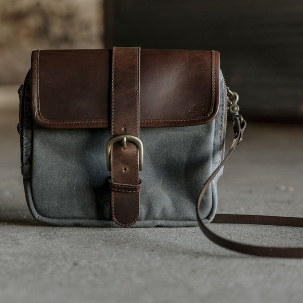 Medium Crossbody Wallet Purse in Charcoal